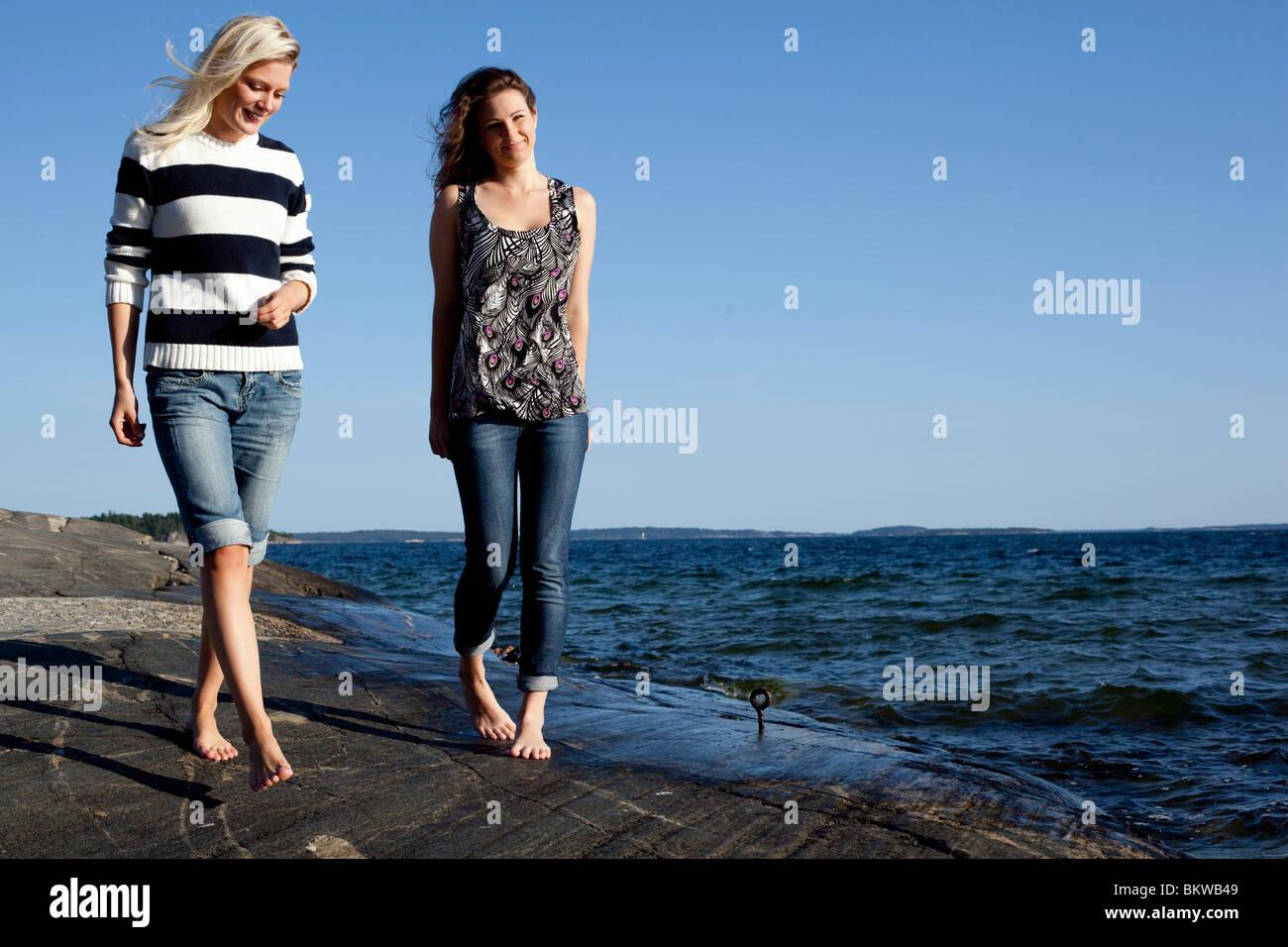 Schlendern Sie am Meer Stockbild