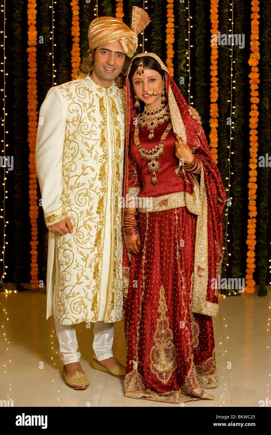 Indische Paare Hochzeit Kleidung Stockfoto, Bild: 29447101 - Alamy