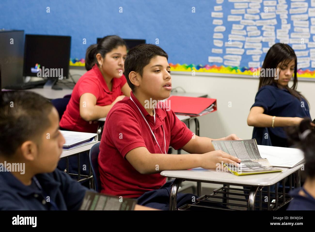 Schülerinnen Und Schüler Arbeitest Du Bei Einer übung Charta Schule