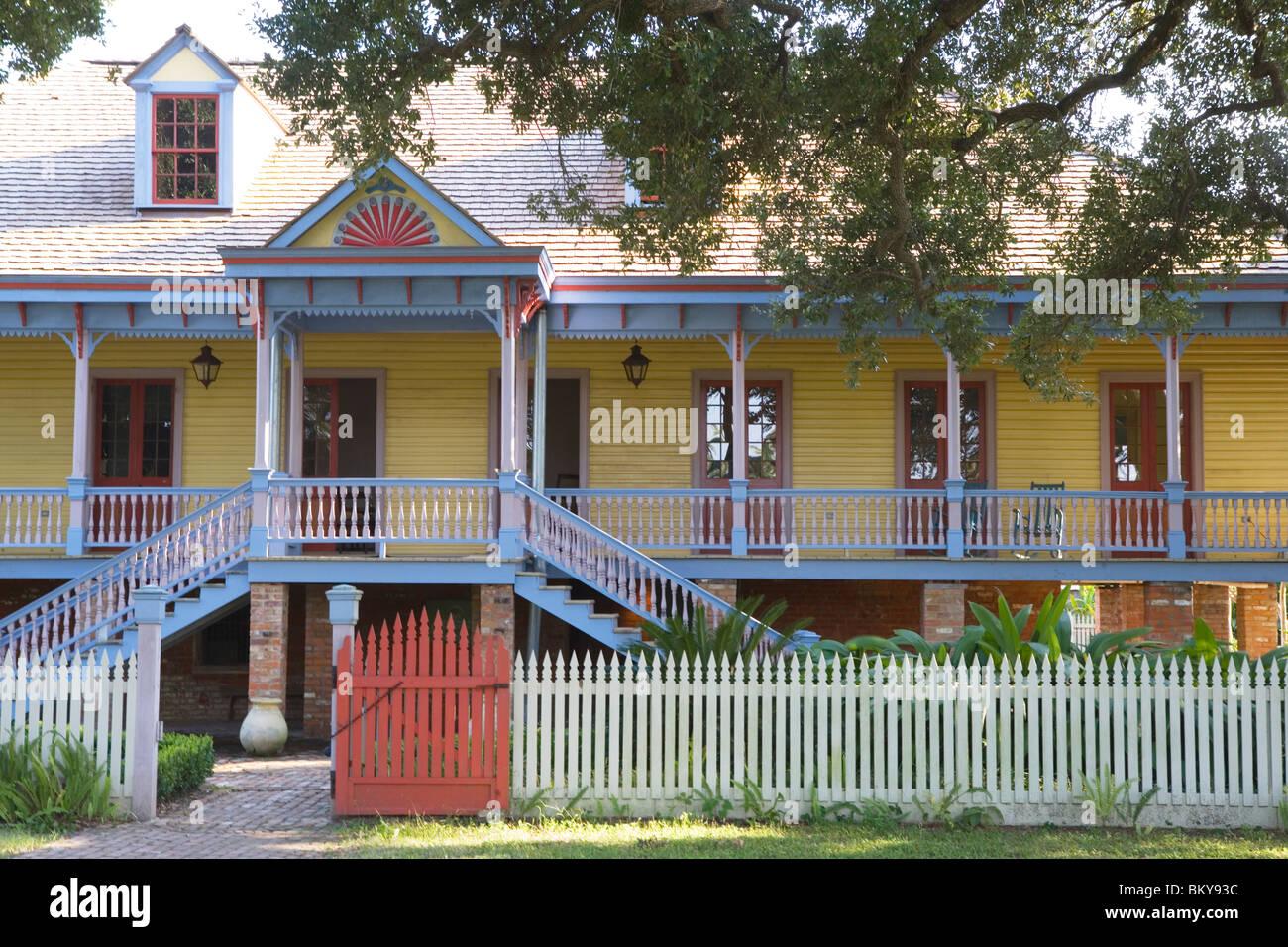 Laura Plantation ist ein seltenes Beispiel für eine kreolische Plantagenhaus Vacherie, Louisiana, USA Stockbild