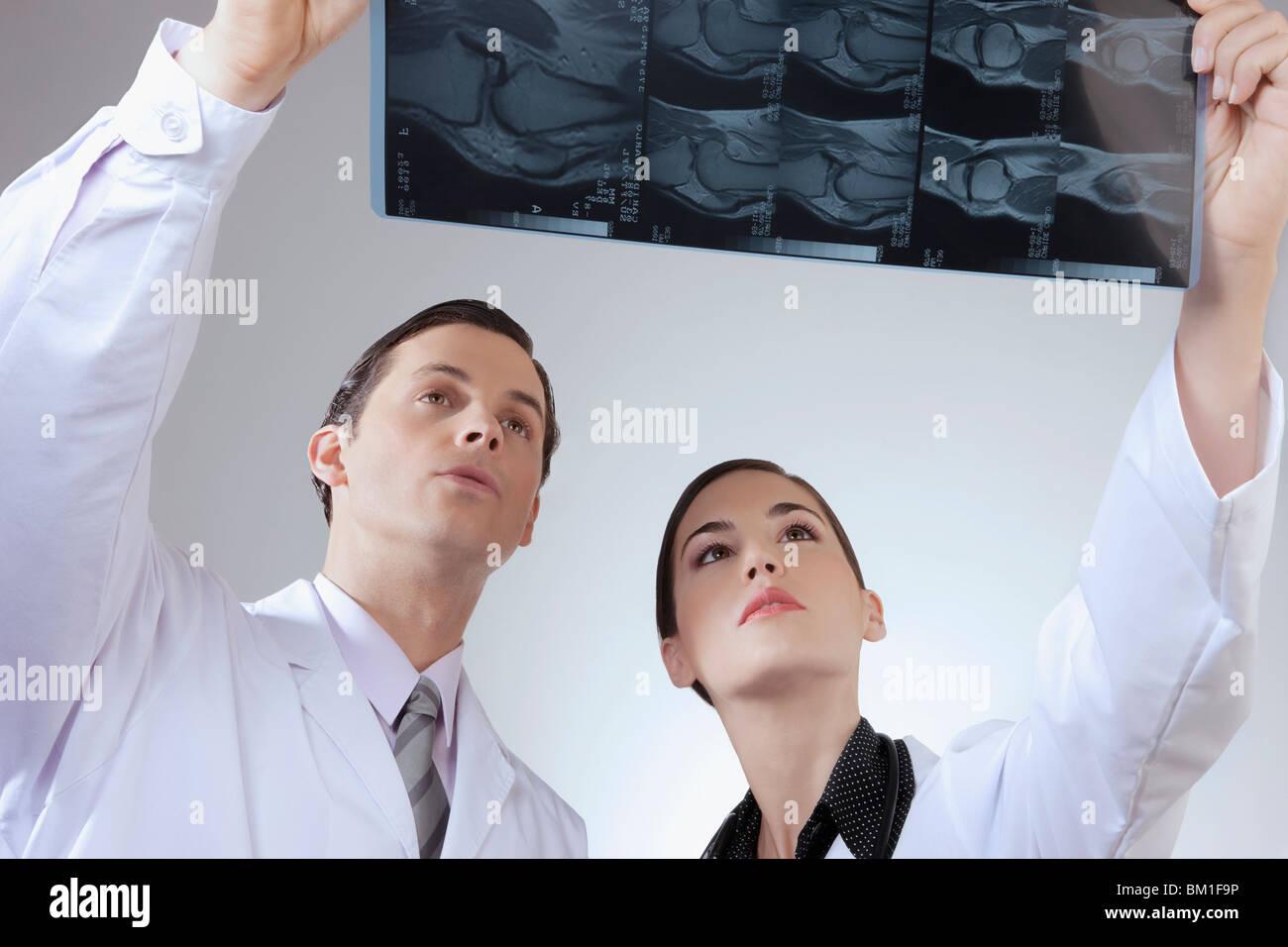 X Hand Stockfotos & X Hand Bilder - Alamy