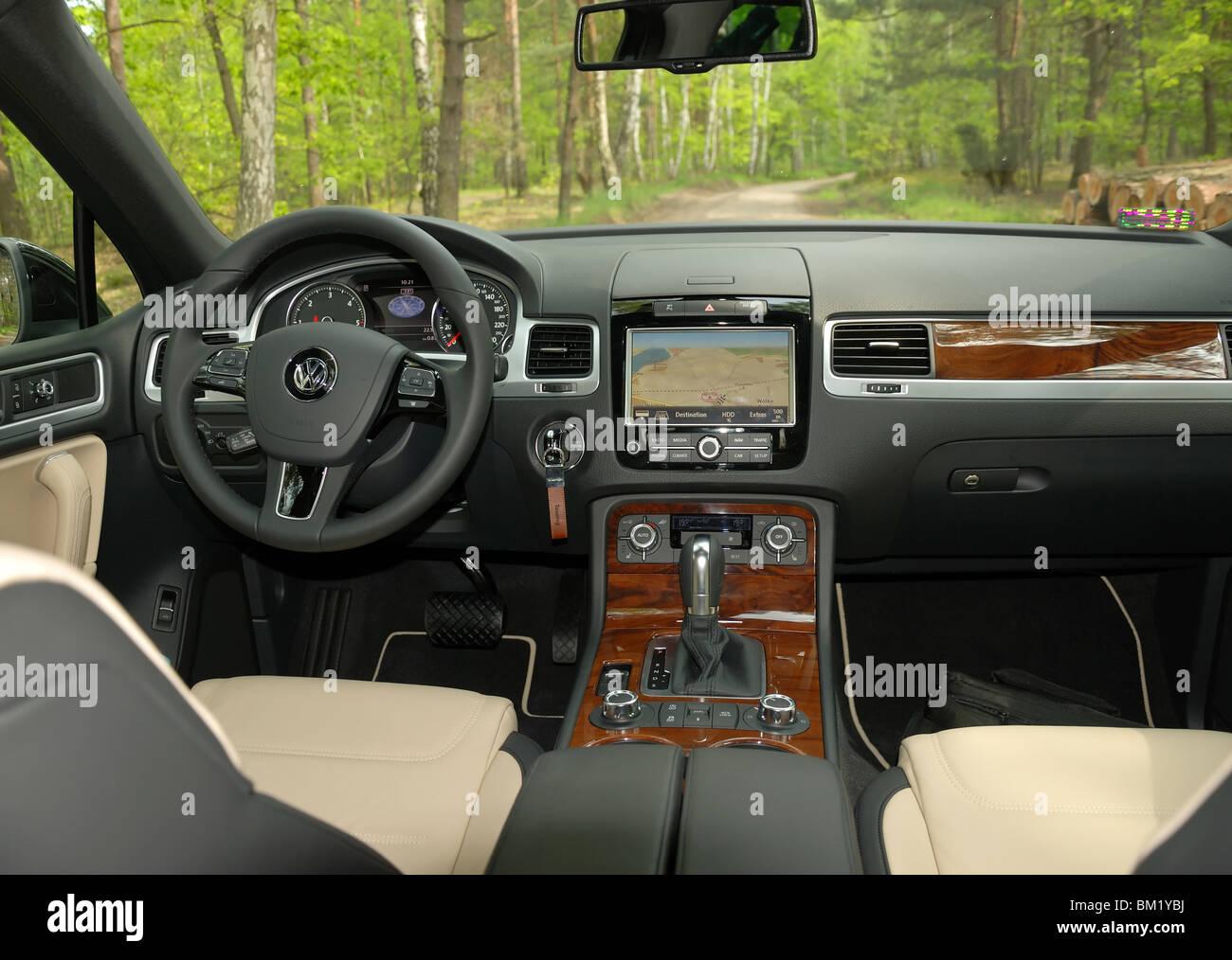 Volkswagen Touareg Stockfotos & Volkswagen Touareg Bilder - Alamy