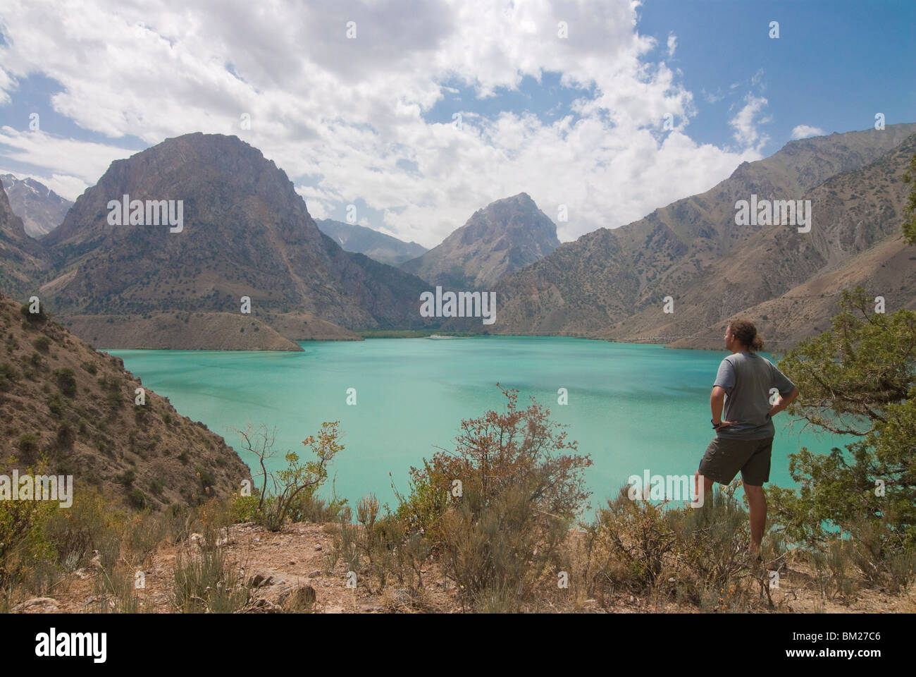 Türkis Iskanderkul See (Alexander) in Fann Gebirge, Iskanderkul, Tadschikistan, Zentralasien Stockbild