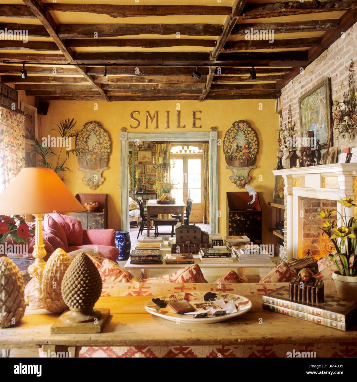 Cheery stockfotos cheery bilder alamy - Eingerichtete wohnzimmer ...