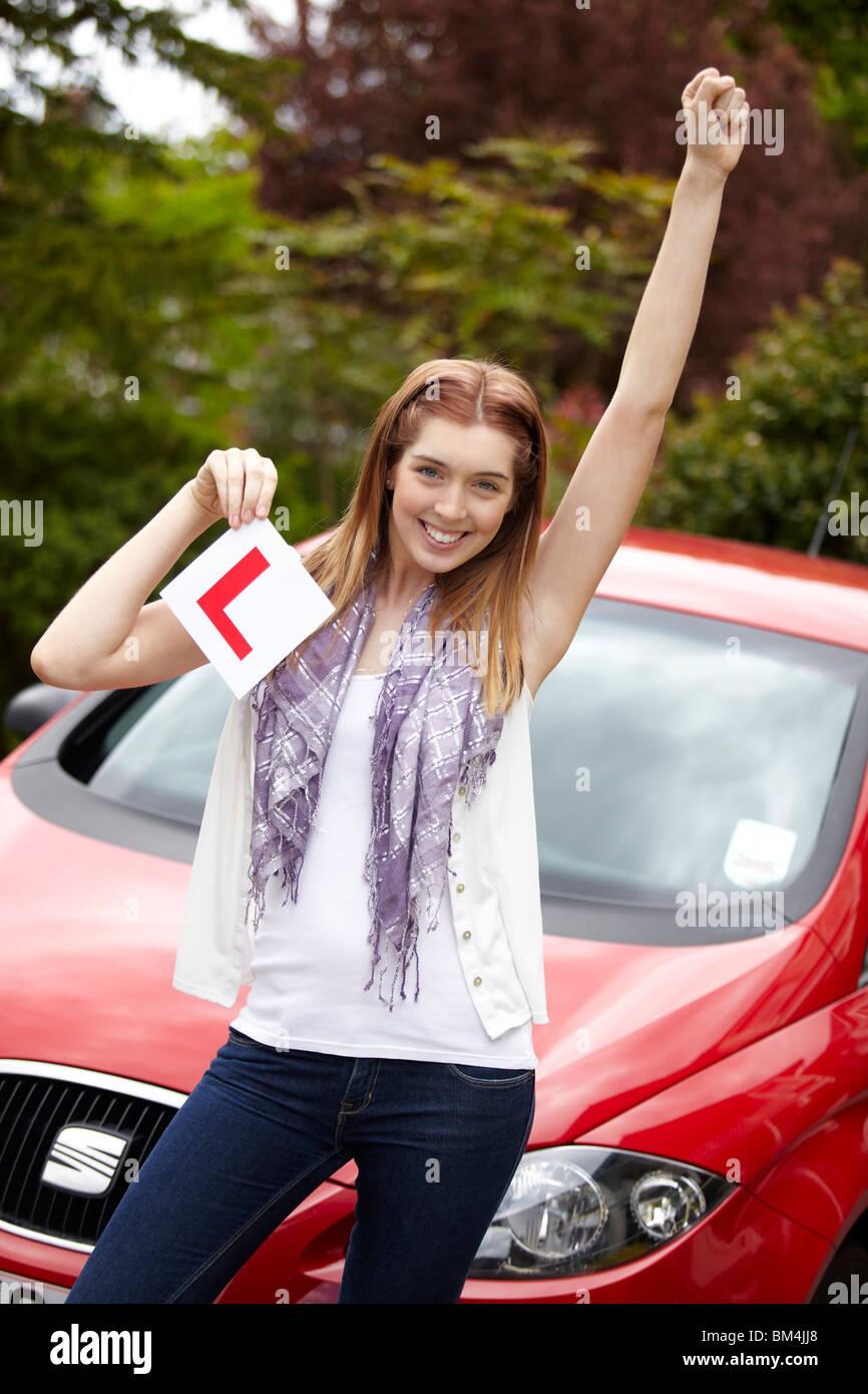 Mädchen gerade Fahrprüfung bestanden Stockbild