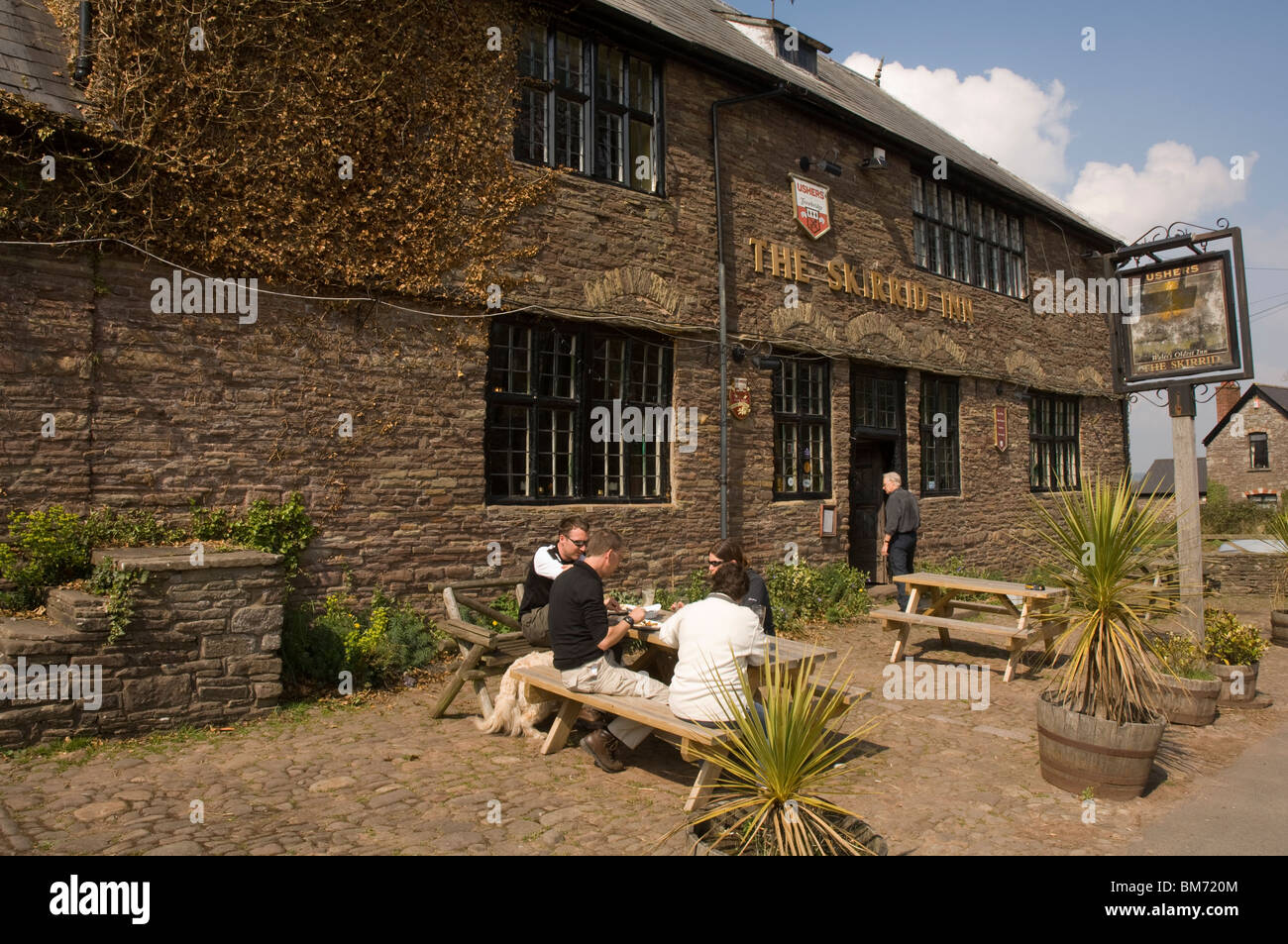 Skirrid Mountain Inn, älteste Pub in Wales, schwarze Berge, Wales, UK, Europa Stockbild