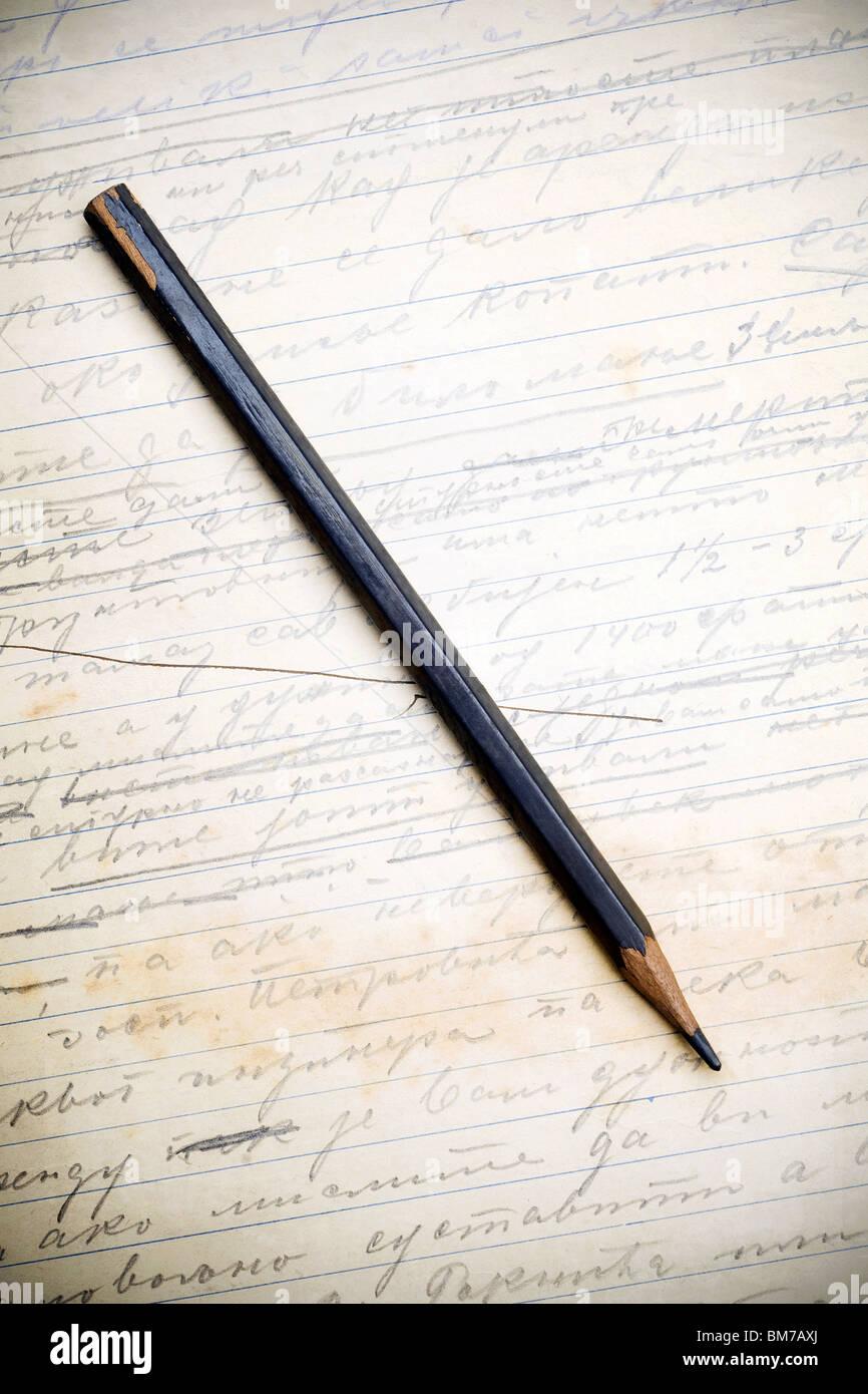 Bleistift auf eine Vintage Letter-Seite Stockbild