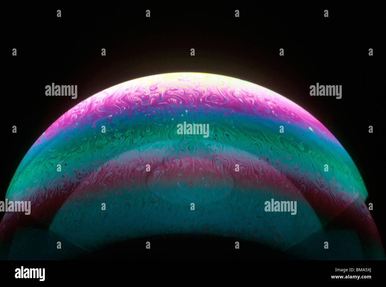 Oberfläche einer Seifenblase. Stockfoto