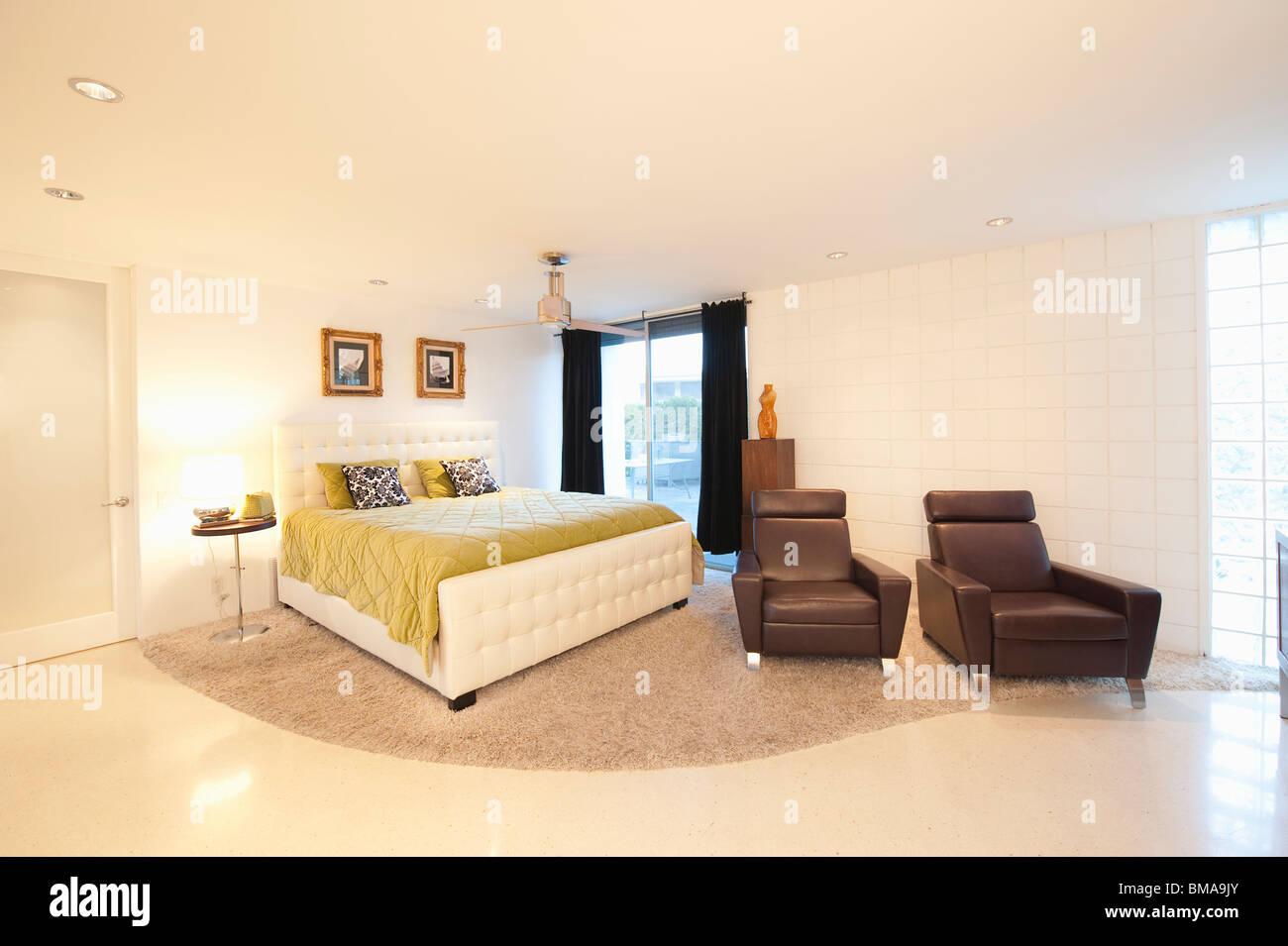 partly stockfotos partly bilder alamy. Black Bedroom Furniture Sets. Home Design Ideas