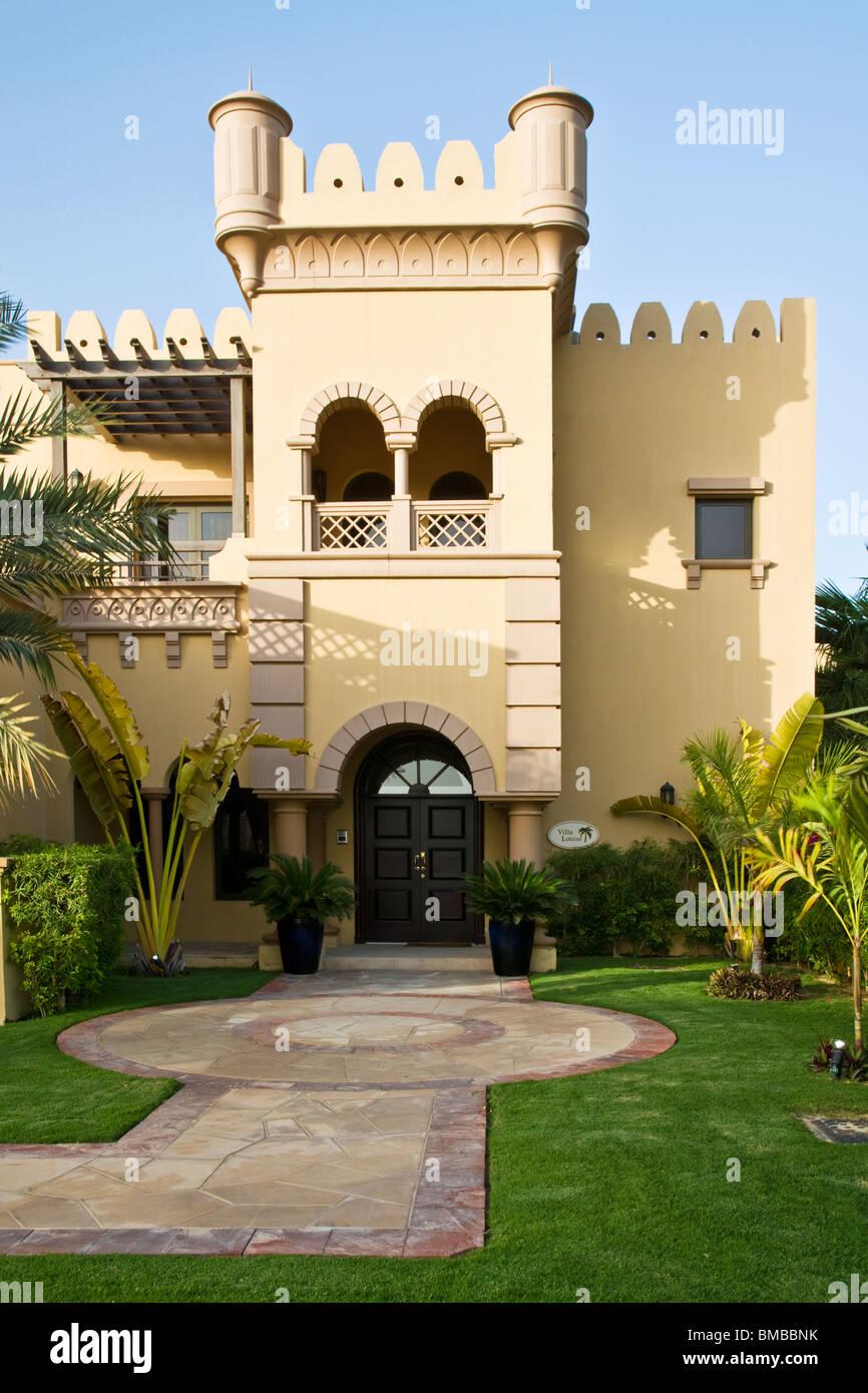 Dubai house home stockfotos dubai house home bilder alamy for Villa wedel