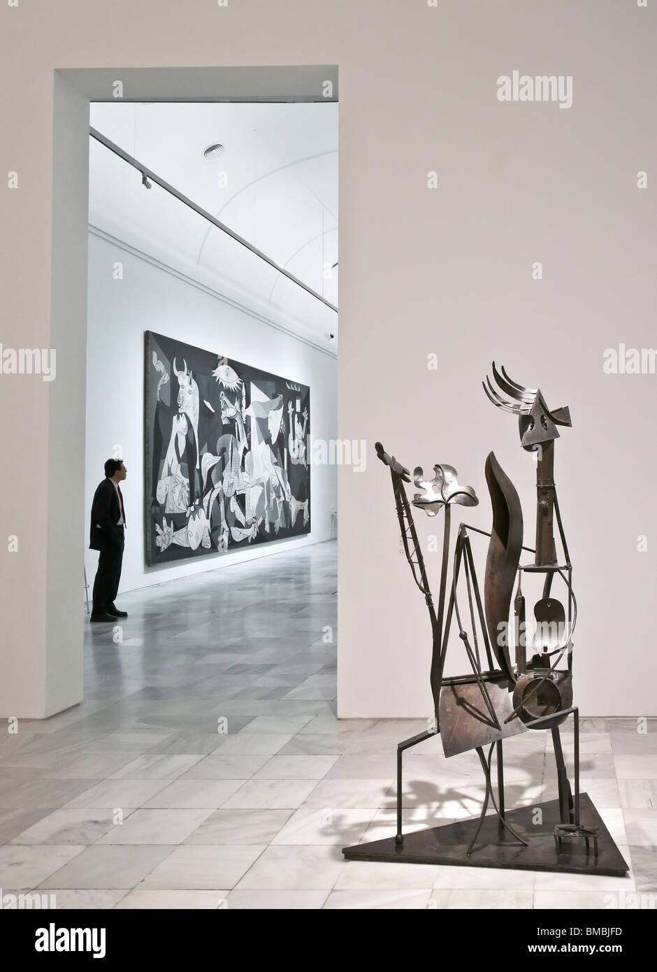 werke von pablo picasso die skulptur frau im garten und. Black Bedroom Furniture Sets. Home Design Ideas