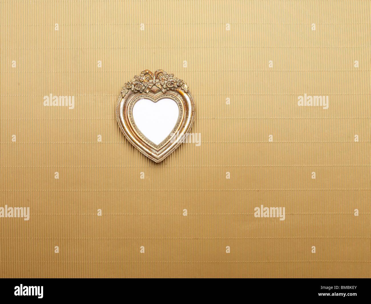 Herz-Bilderrahmen isoliert auf weißem Hintergrund, grafisches ...