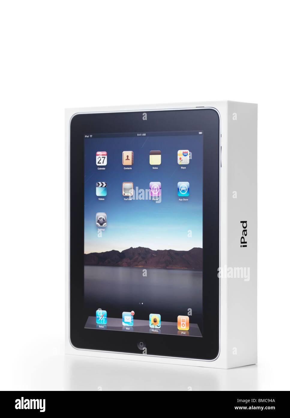 Apple-iPad-Produktverpackung. Isolierte Box mit Clipping-Pfad auf weißem Hintergrund. Stockbild