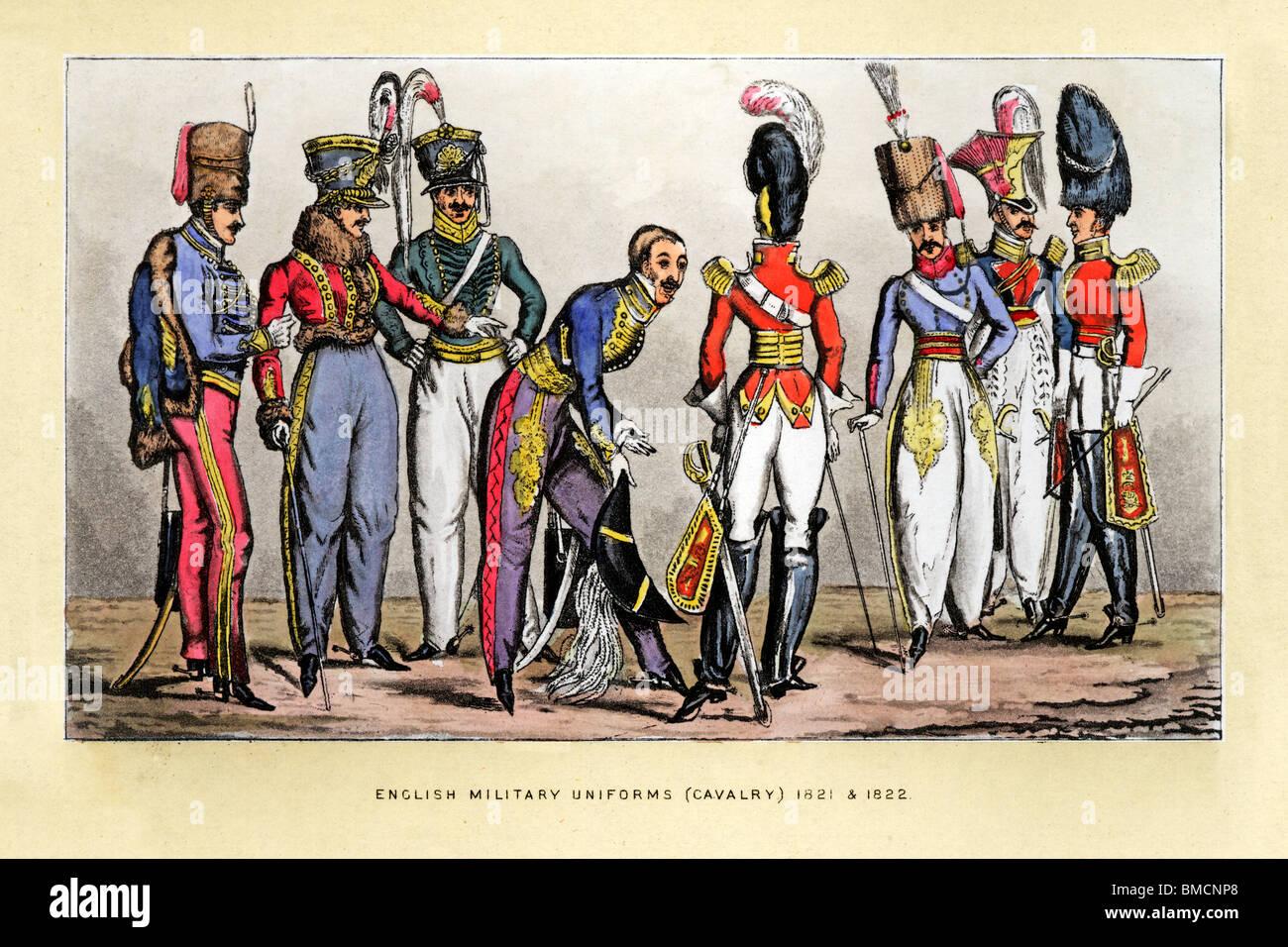 Englische Kavallerie Uniformen, drucken 1822 der schicken Uniformen der Offiziere paradieren ihrem Putz zueinander Stockbild