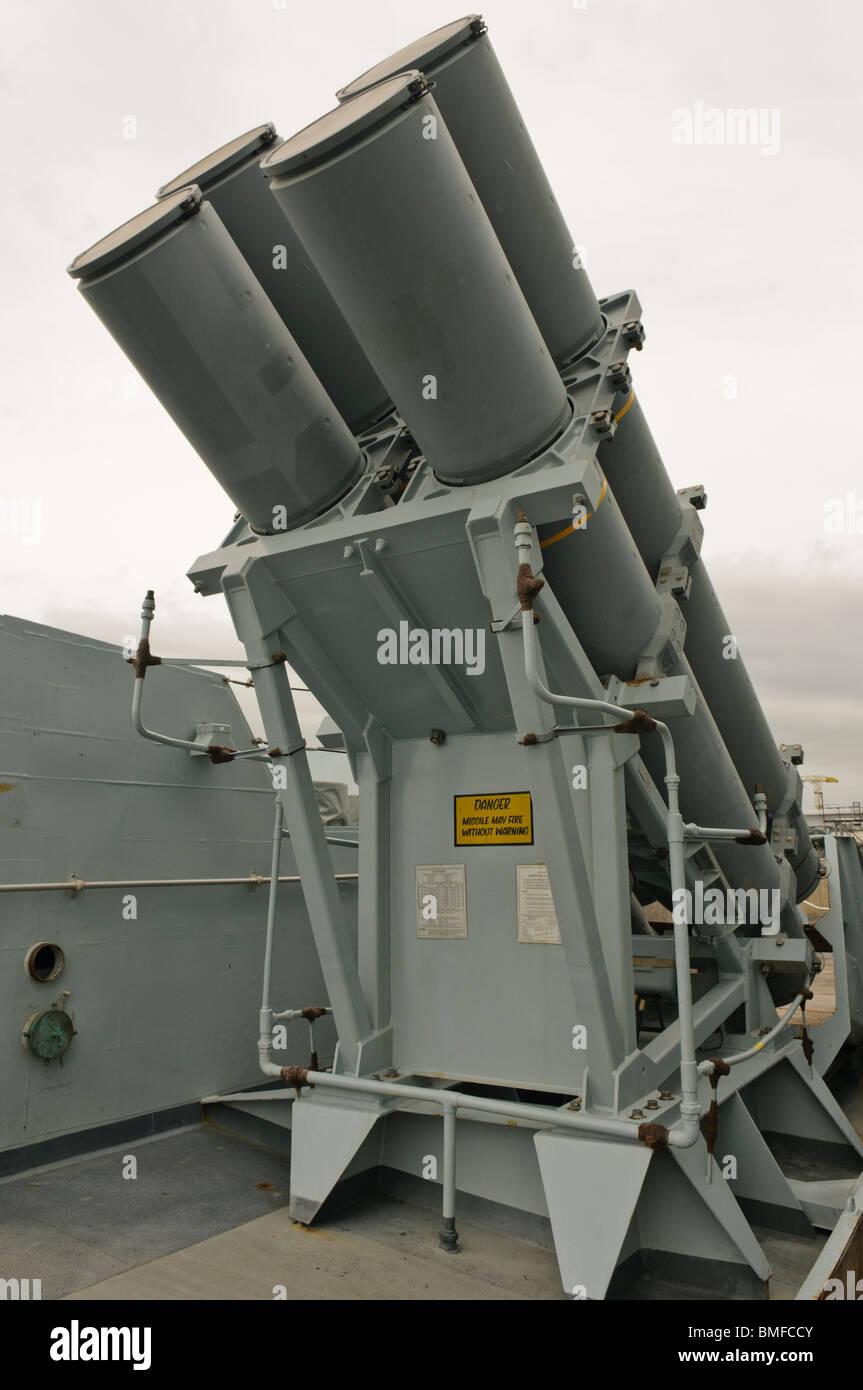 Rakete starten Röhren an Bord der HMS Monmouth, Art 23 Fregatten Stockfoto