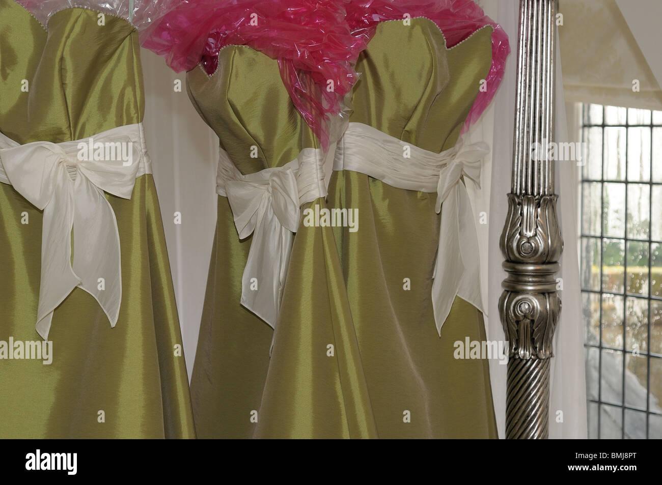 Brautjungfer Kleider Aufhängen Stockfoto Bild 29905536 Alamy