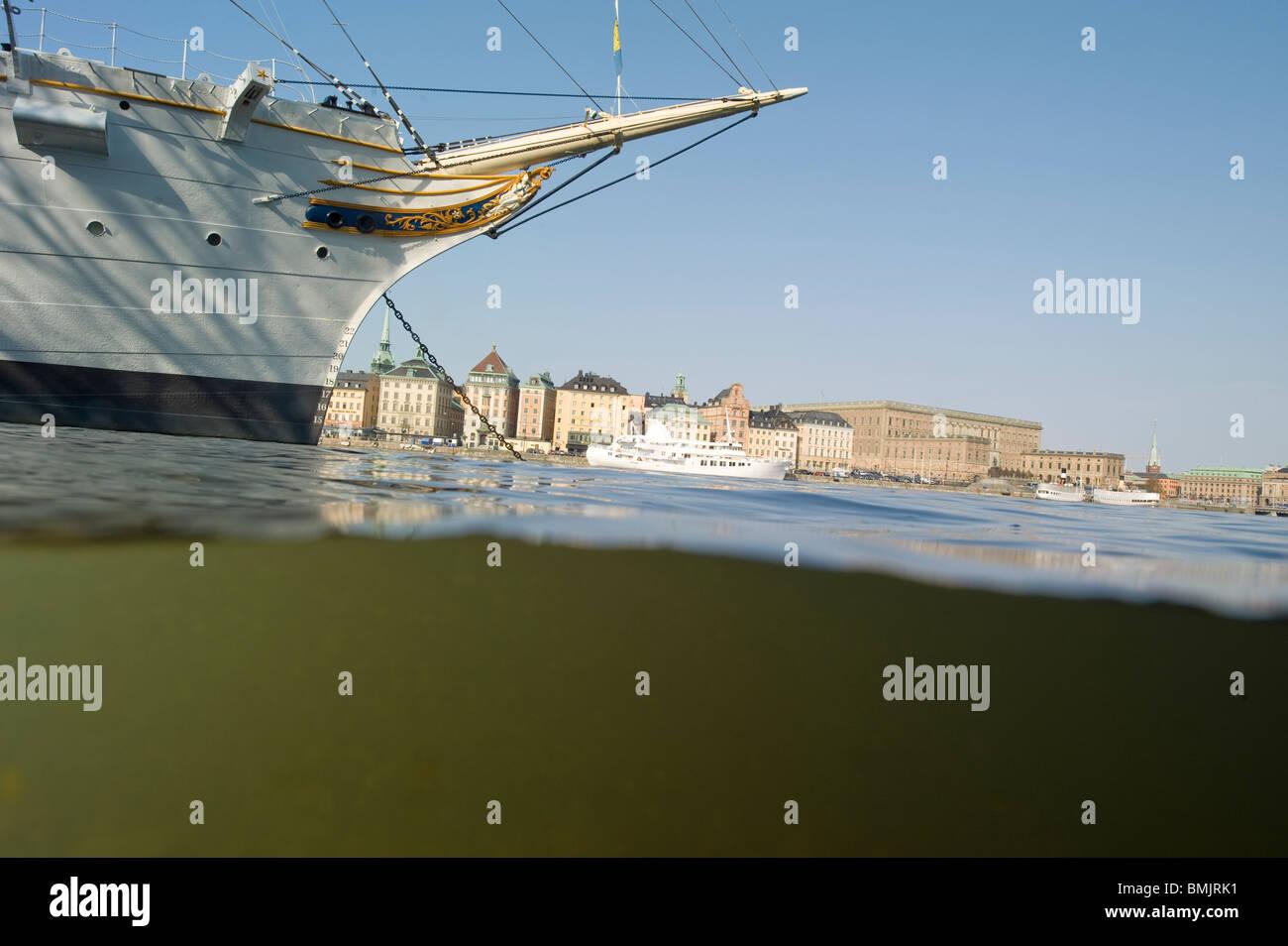 Ein Schiff in Stockholm Stockbild