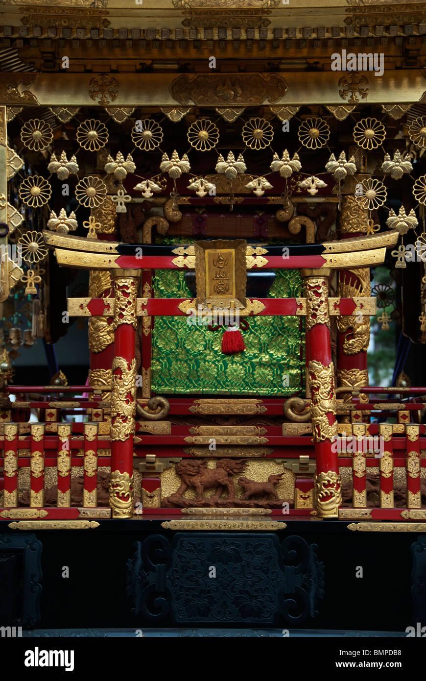 Detail der tragbaren Schrein oder Mikoshi auf dem berühmten Sanno Masturi Festival in Takyama, Japan Stockbild