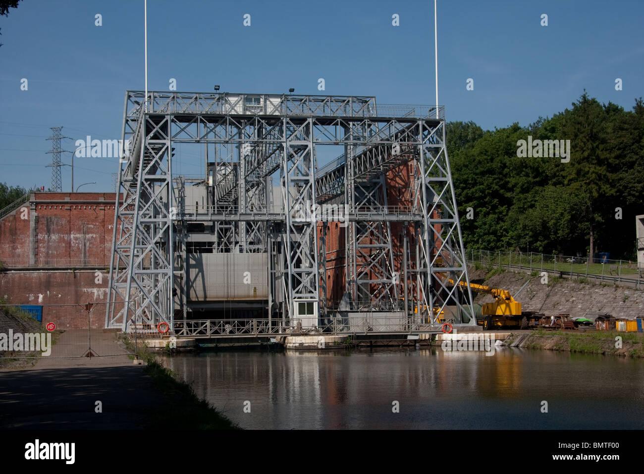 hydraulische Boot heben Canal du Centre Cantine des Italiens La Louviere Belgien Stockbild