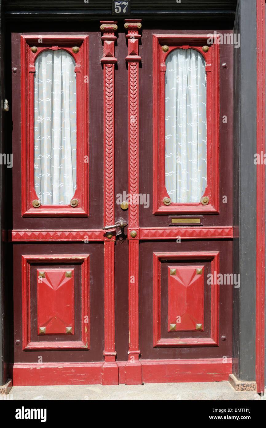 Dekorative Rote Holztür Mit Gardine Goslar Deutschland