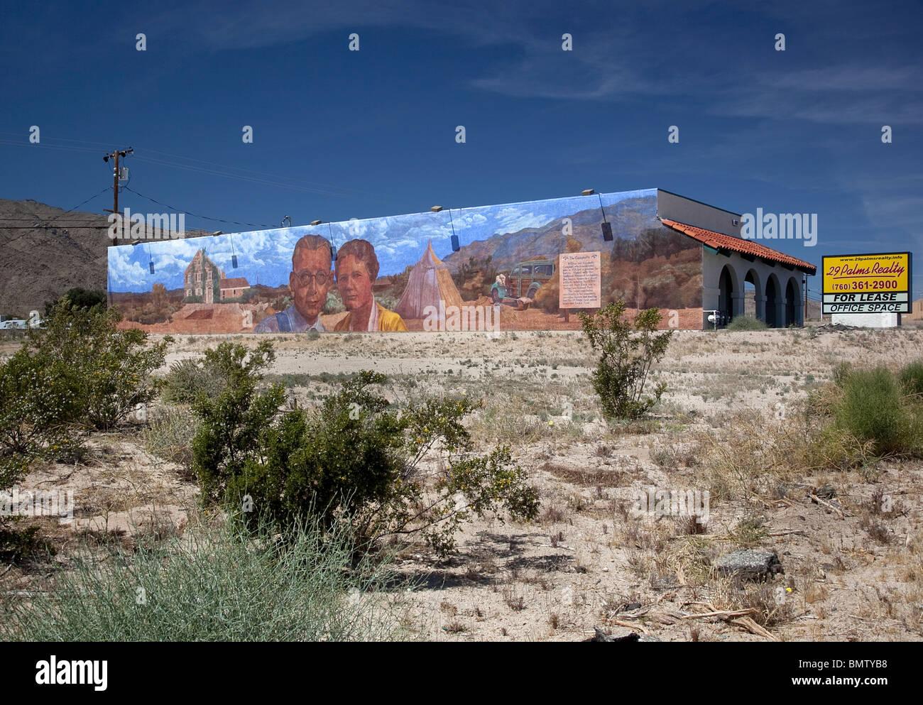 Die Campells Wandbild auf vieler Menschen in 29 Palms CA USA Stockbild