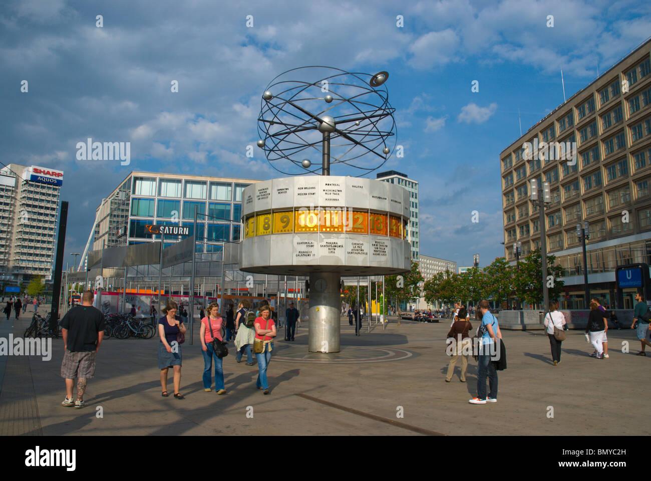 Welt Zeit Uhr Treffpunkt Alexanderplatz Mitte Ost Berliner Deutschland Europa Stockfotografie Alamy