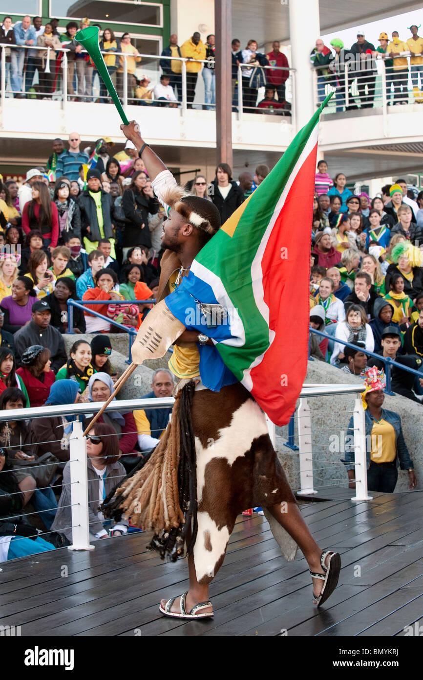 Unterstützer gekleidet als Grafik auf public-Viewing FIFA World Cup 2010 in Kapstadt Südafrika Stockfoto