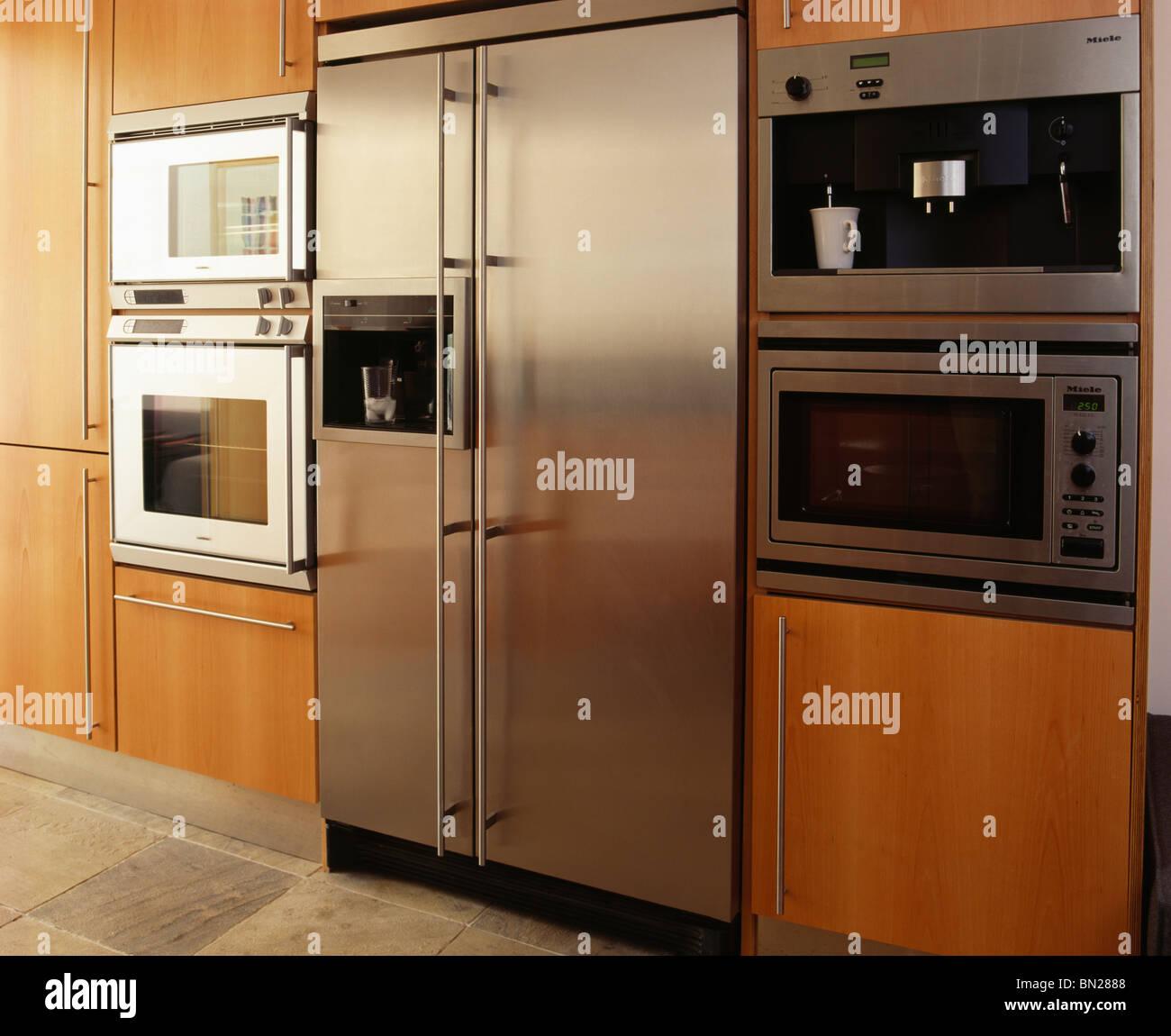 Innenküchen Kühlschränke Stockfotos & Innenküchen Kühlschränke ...