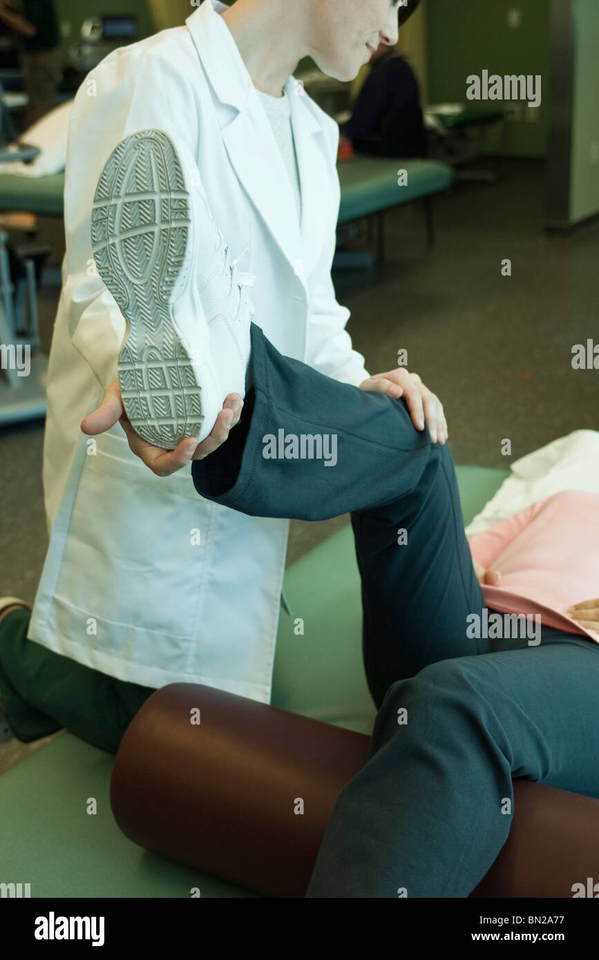 Patienten Physiotherapie Behandlung Stockbild