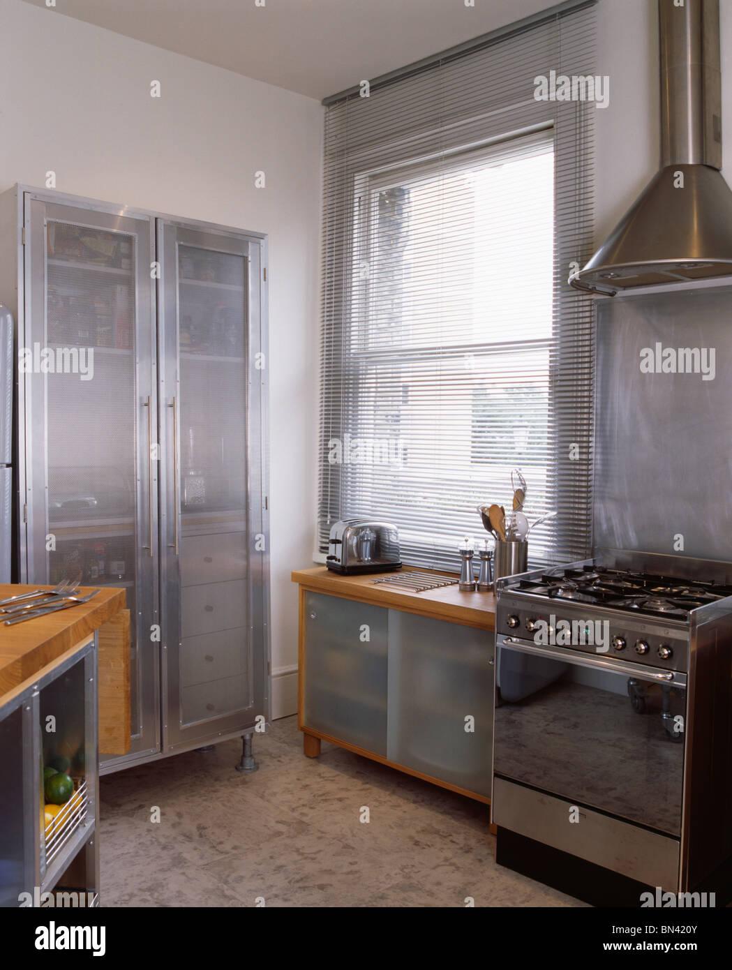 Großartig Milchglas Küchenschrank Türen Uk Galerie - Ideen Für Die ...