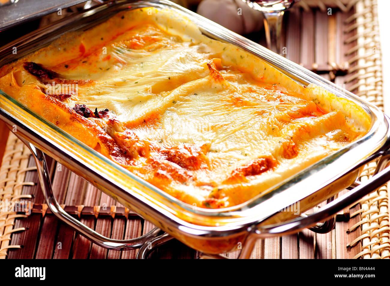 cannelloni k se kochen leckeres abendessen essen garnierung italienischen italien mittagessen. Black Bedroom Furniture Sets. Home Design Ideas