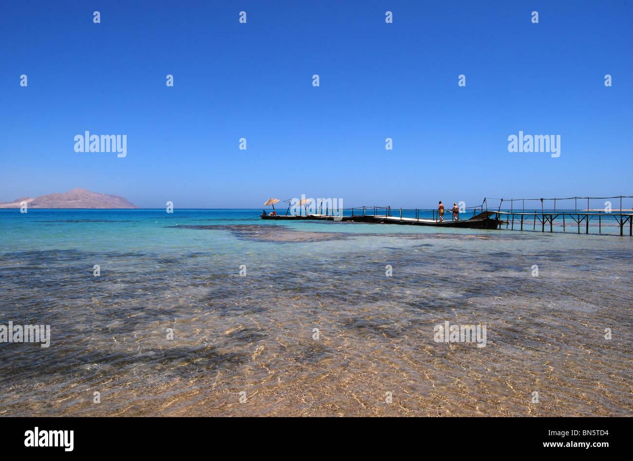 Steg ins Meer Sharm Hausnummer 2929 Stockbild