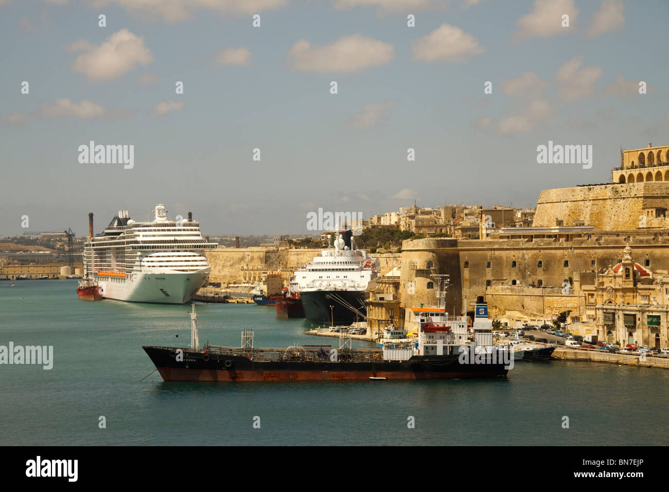 Schiffe in den Grand Harbour, Valletta, Malta Stockbild
