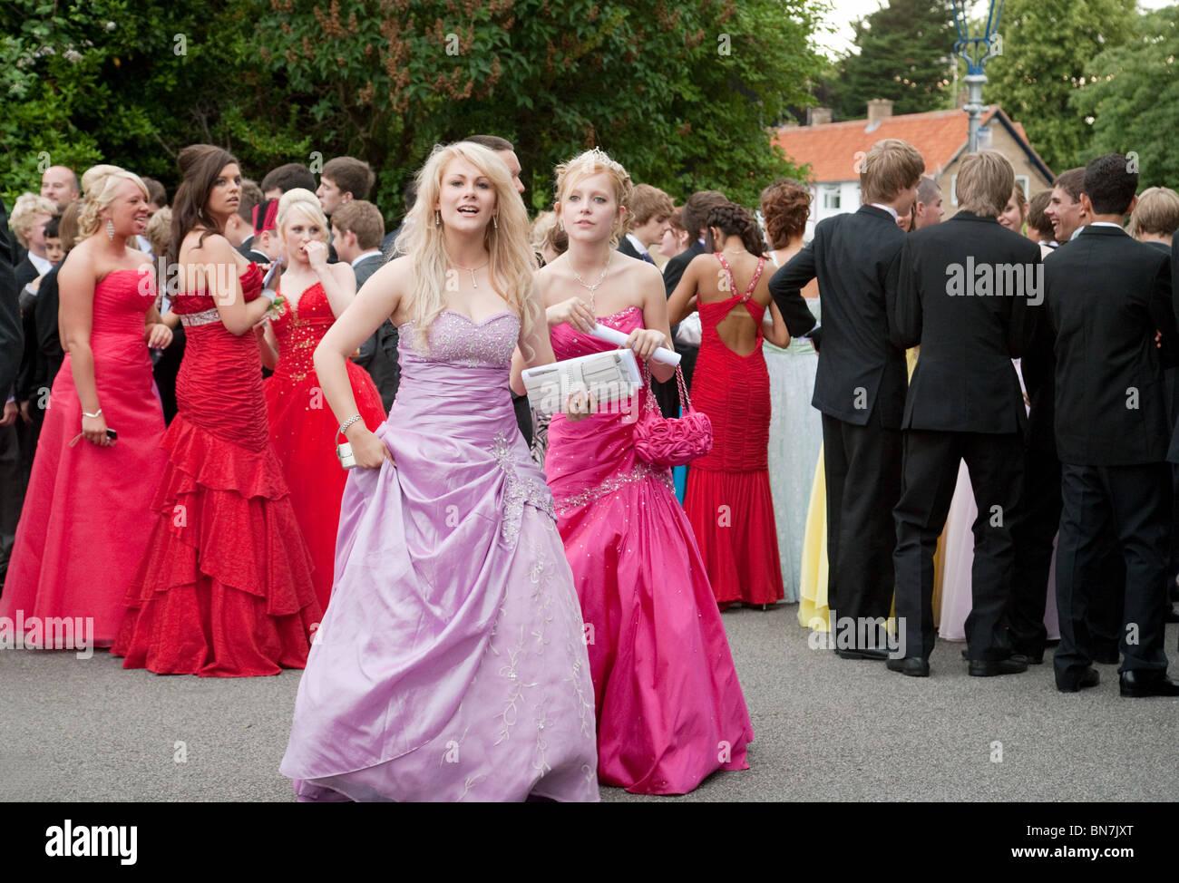 Nett Junge Mädchen Prom Kleider Zeitgenössisch - Hochzeit Kleid ...