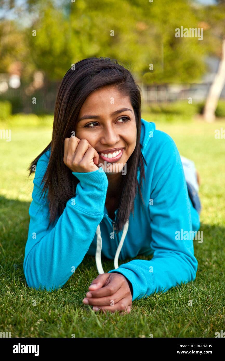 15-16 Jahre Jahre alt Hispanic American Girl. junge Mensch menschen natur, natur, HERR © Myrleen Pearson Stockfoto