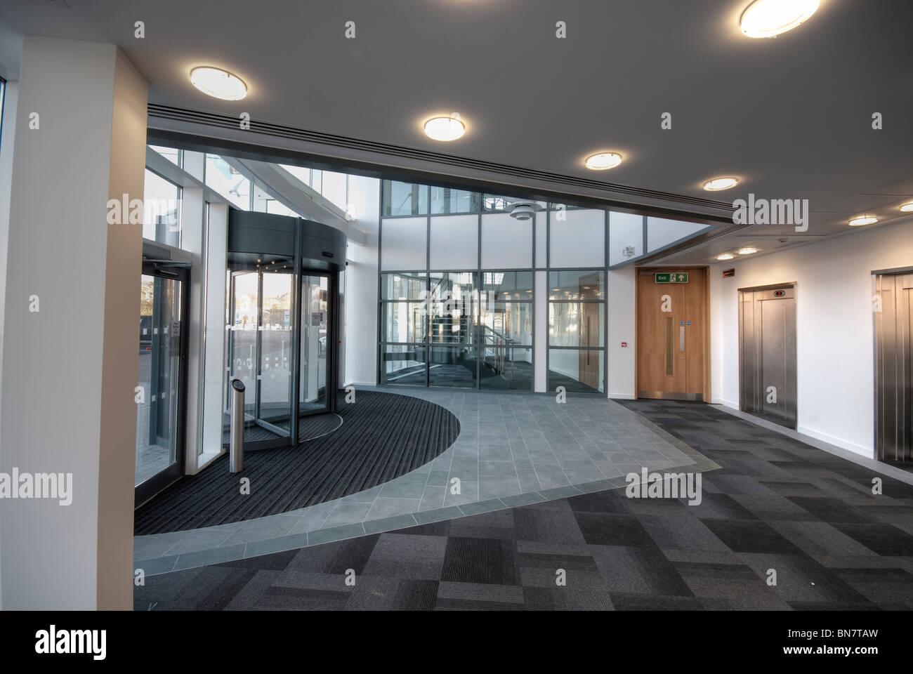 Moderne Büro-Eingang ohne Menschen Stockbild