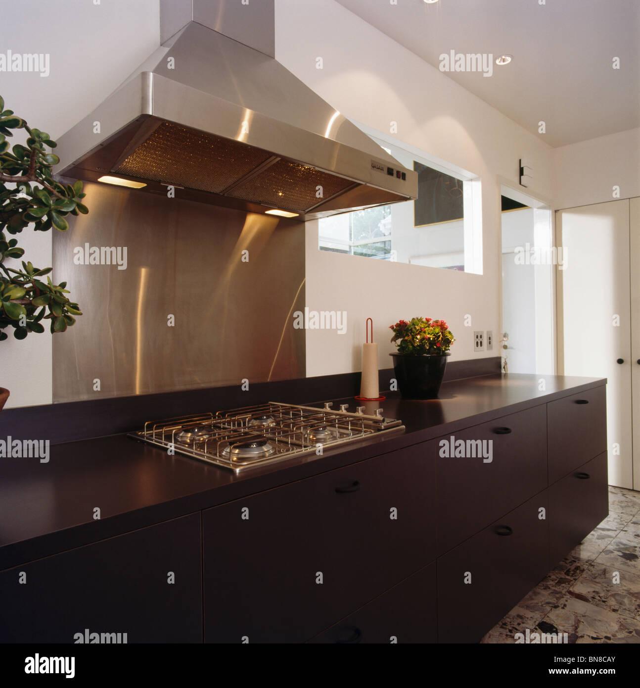 Wunderbar Küchen Mit Schwarzen Edelstahl Geräten Zeitgenössisch ...