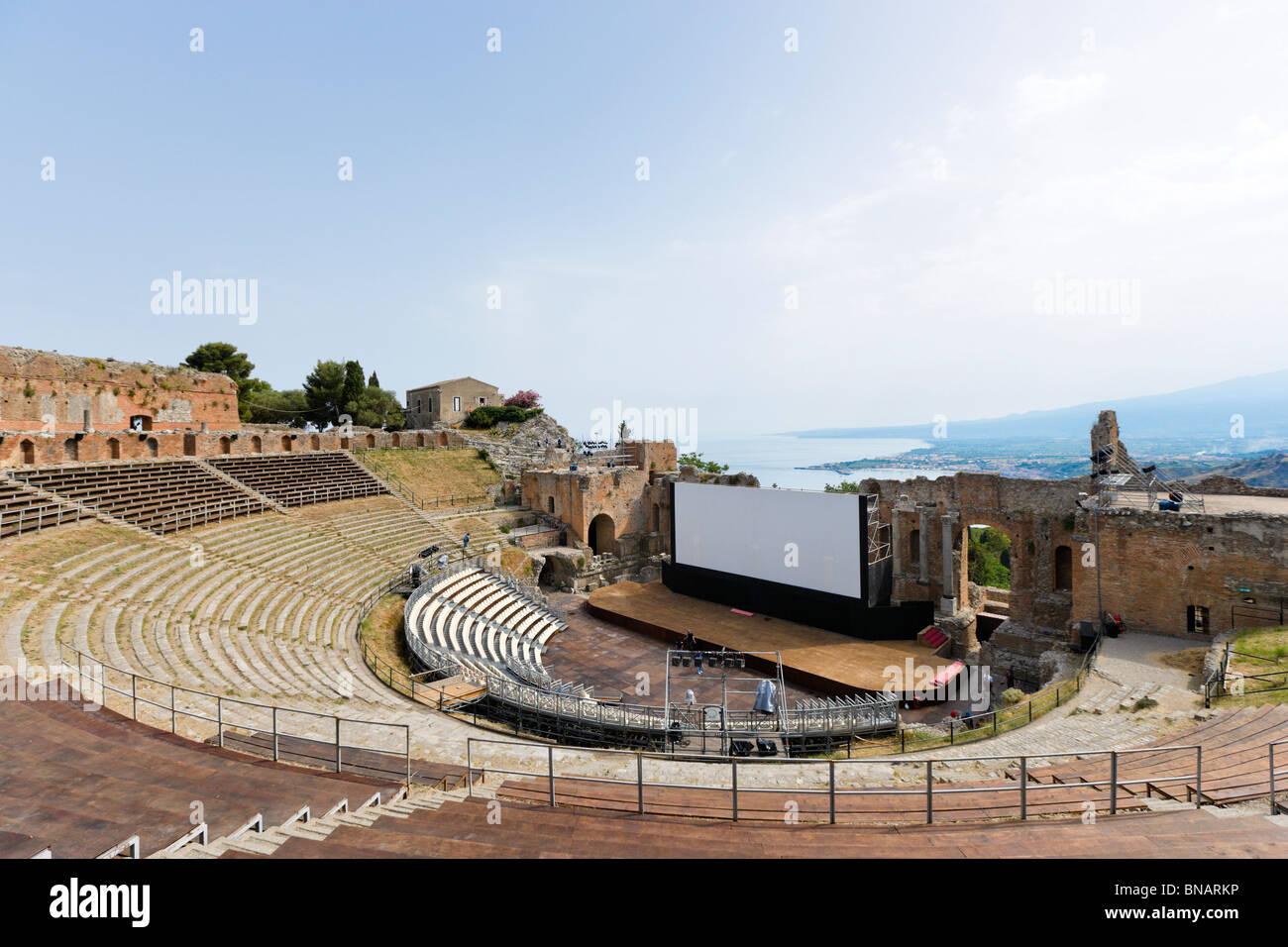 Das griechische Theater (Teatro Greco) einrichten für das FilmFest Filmfestival im Juni 2010, Taormina, Sizilien, Stockbild