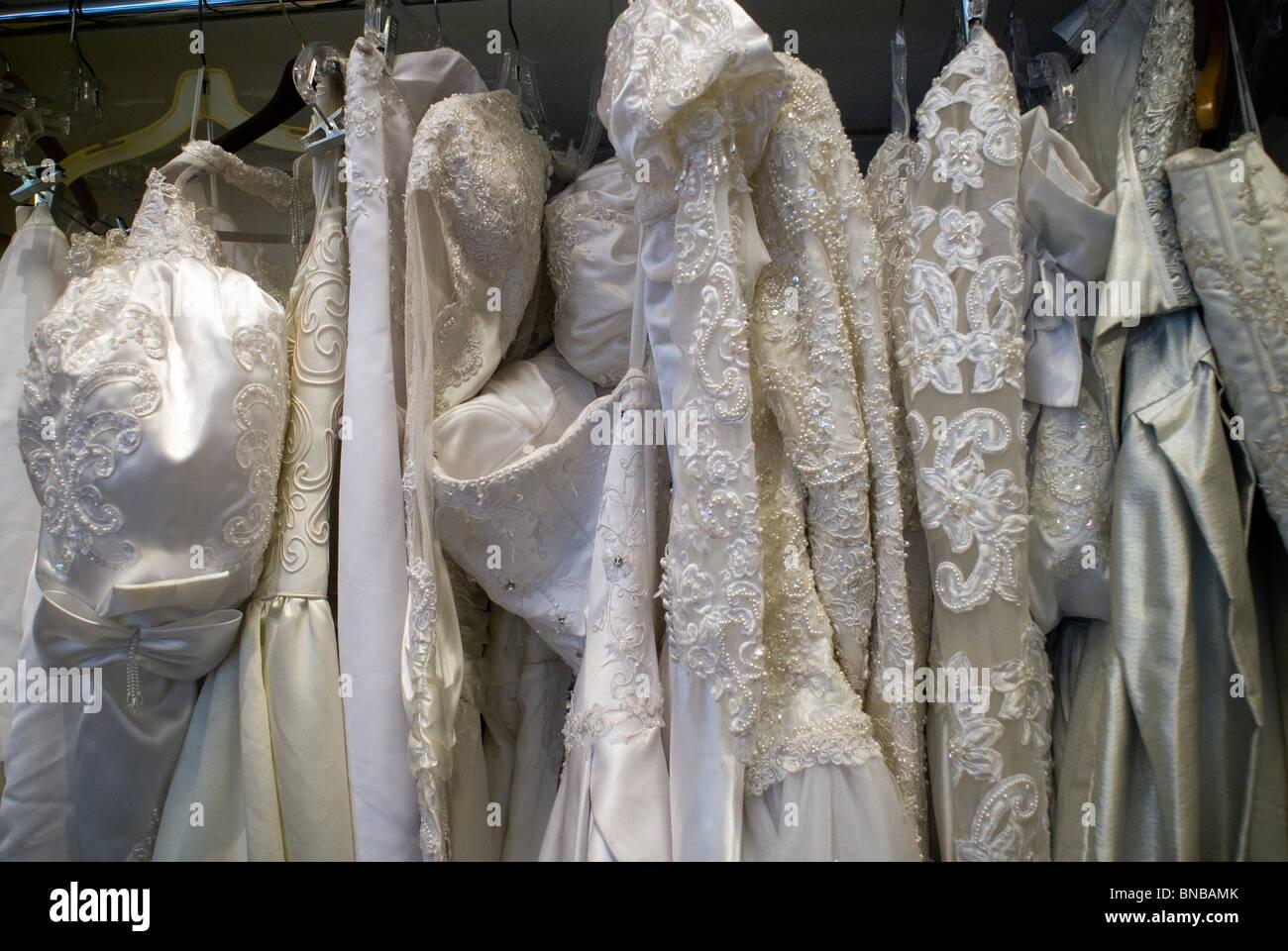 Ungewöhnlich Laden Brautkleid Fotos - Brautkleider Ideen - cashingy.info
