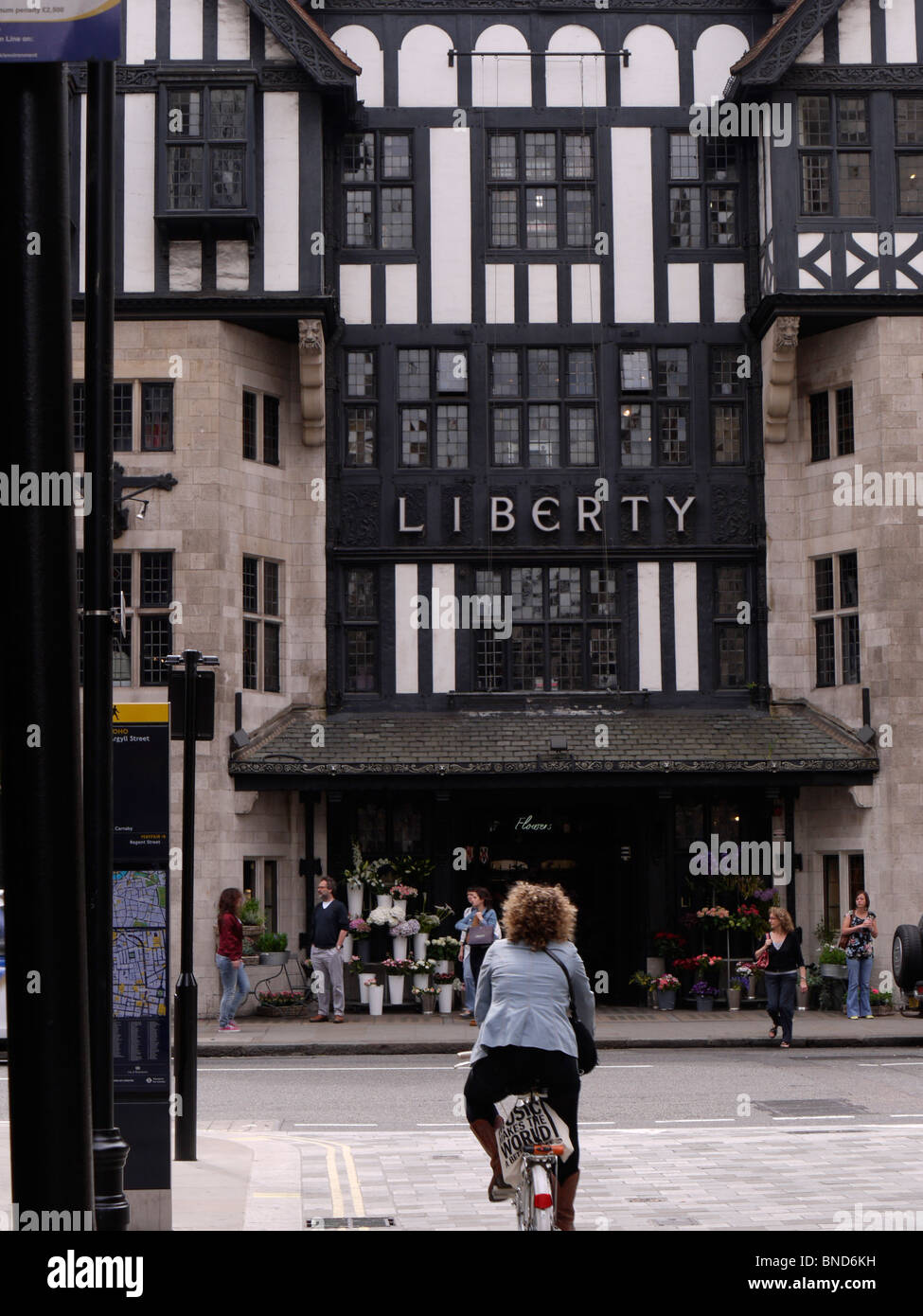 liberty store london stockfotos liberty store london bilder alamy. Black Bedroom Furniture Sets. Home Design Ideas