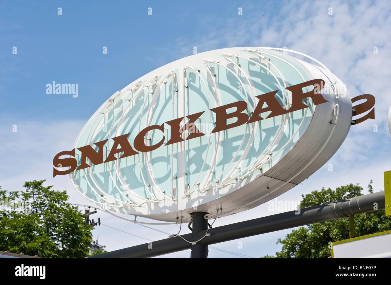 Neon-Schild-Snack-Bar, Austin, Texas, USA Stockfoto