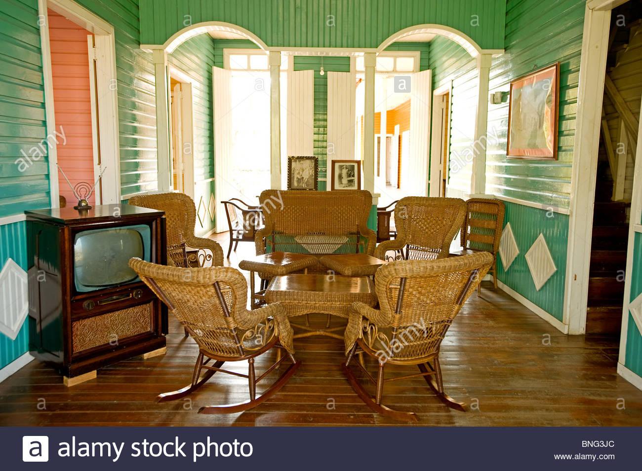 Weiler, die zu der Familie, wo Fidel Castro geboren wurde; hier sein Haus und die Wohnzimmer. Saint-arailles, Provinz Stockbild