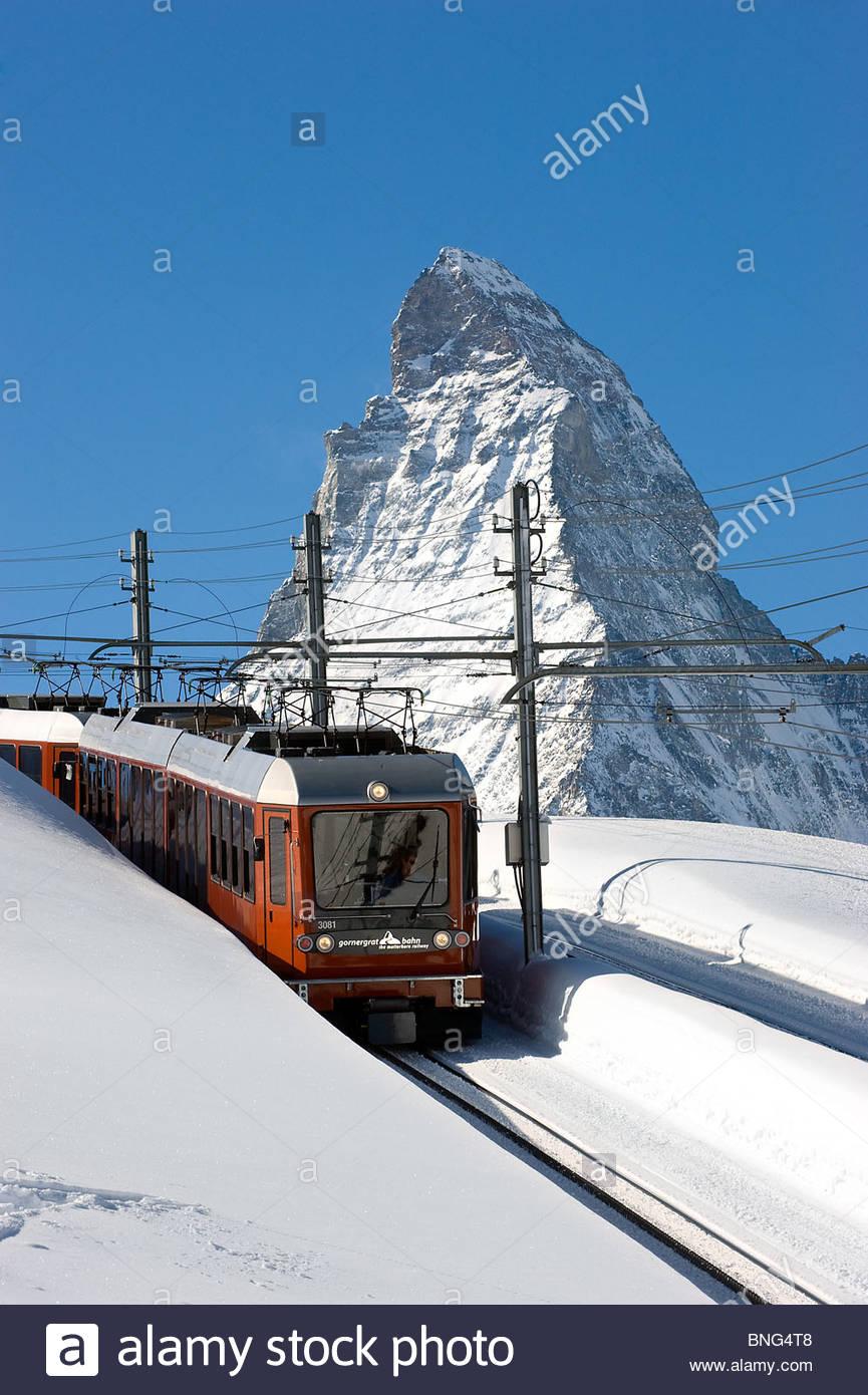 Der Gornergrat Bahn Zug und das Matterhorn. Zermatt, Kanton Wallis, Schweiz Stockbild