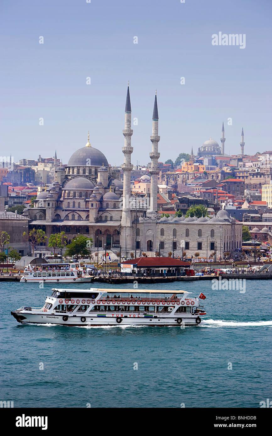 Juni 2008 Türkei Istanbul Stadt Yeni Moschee Schiff Sea Stockbild