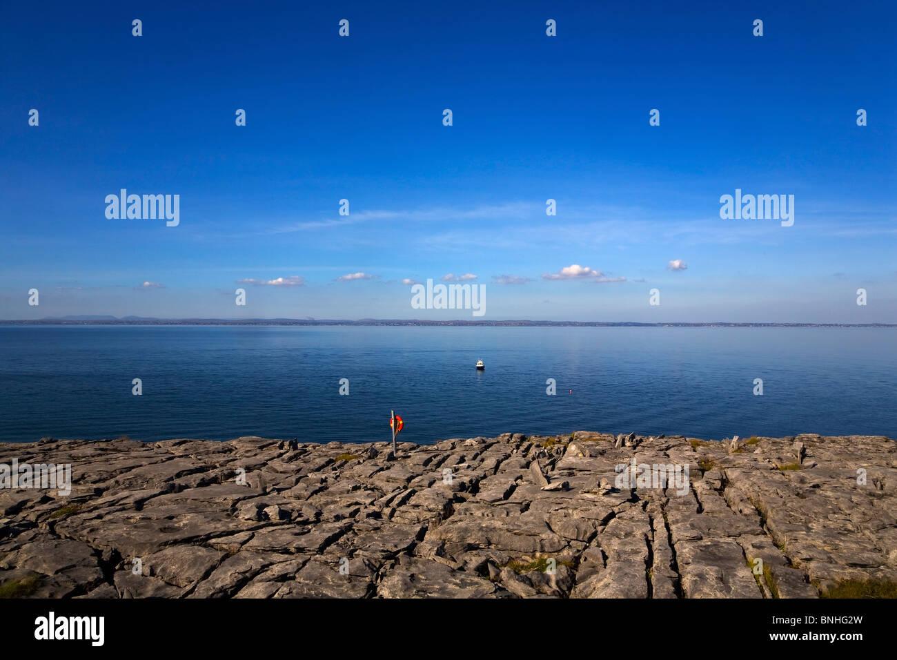 Kalkstein Pflaster, Burren, County Clare, Irland Stockbild