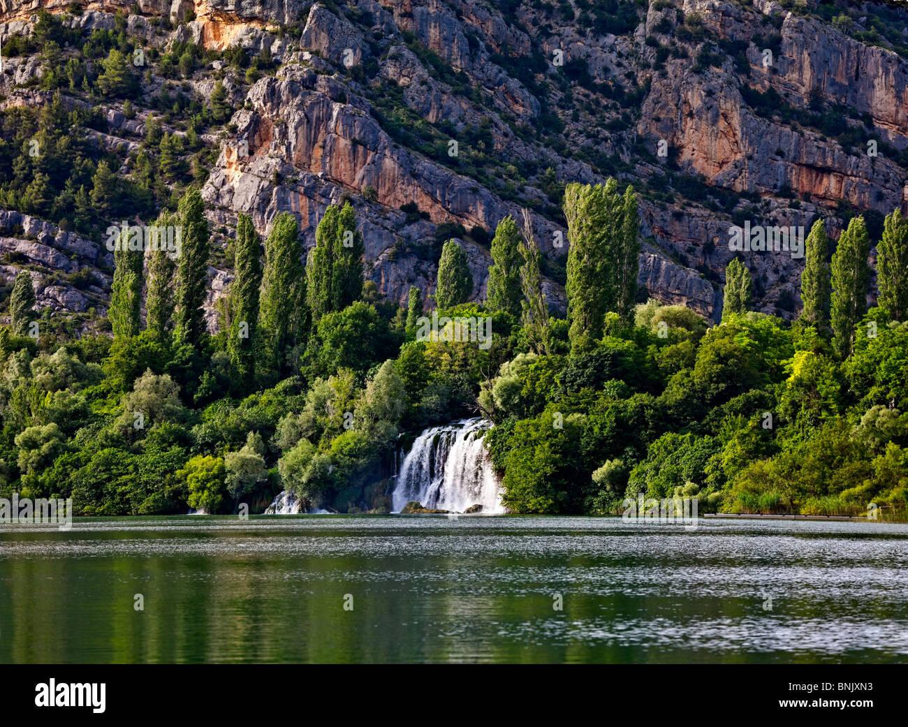 Schöne Landschaft, Fluss Krka Nationalpark in Kroatien. Wasserfall Stockbild