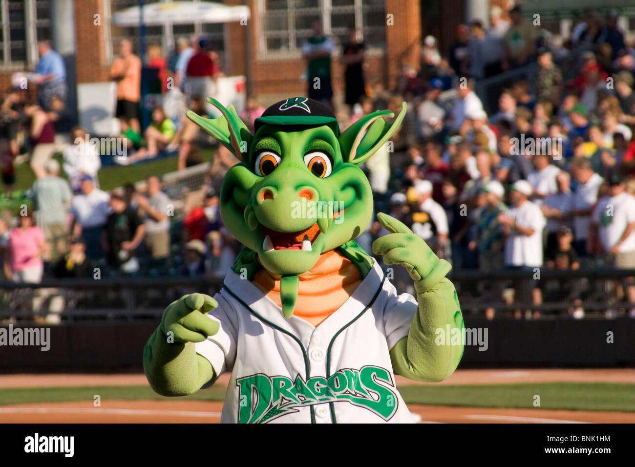 Heizung der Drachen Maskottchen der Dayton Drachen. Bei Baseball ...