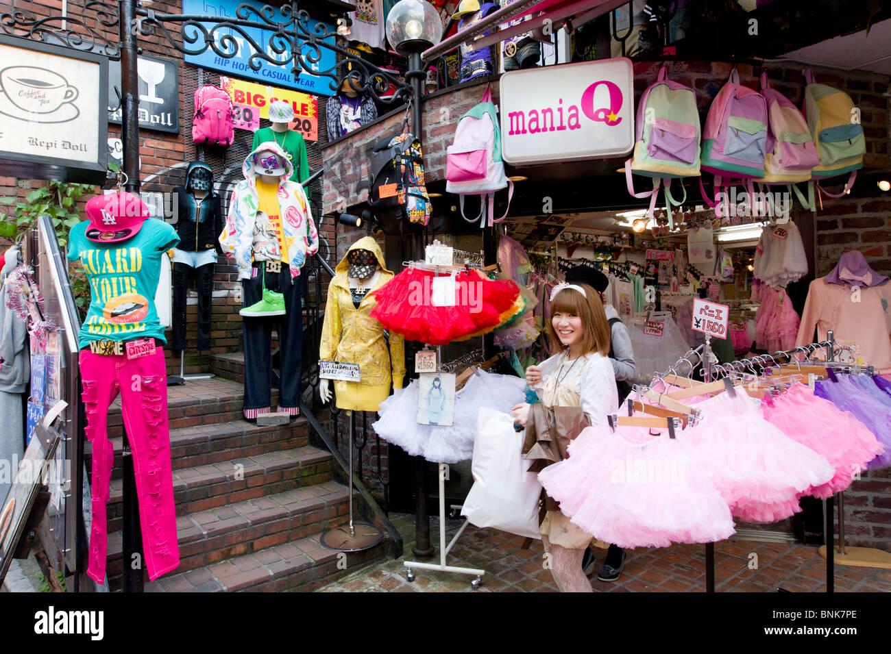 junger teenager kleidung einkaufen in takeshita dori straße