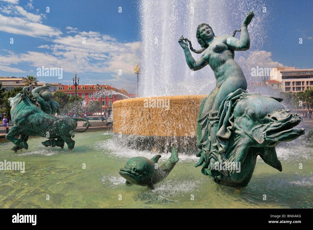 Brunnen am Place Massena in der Innenstadt von Nizza an der französischen Riviera (Côte d ' Azur) Stockbild