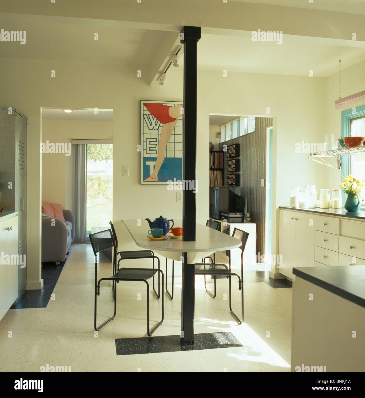 Cool Moderne Stuehle Esszimmer Foto Von Weiße Böden Und Schwarzen Metall-stühle An Weißen